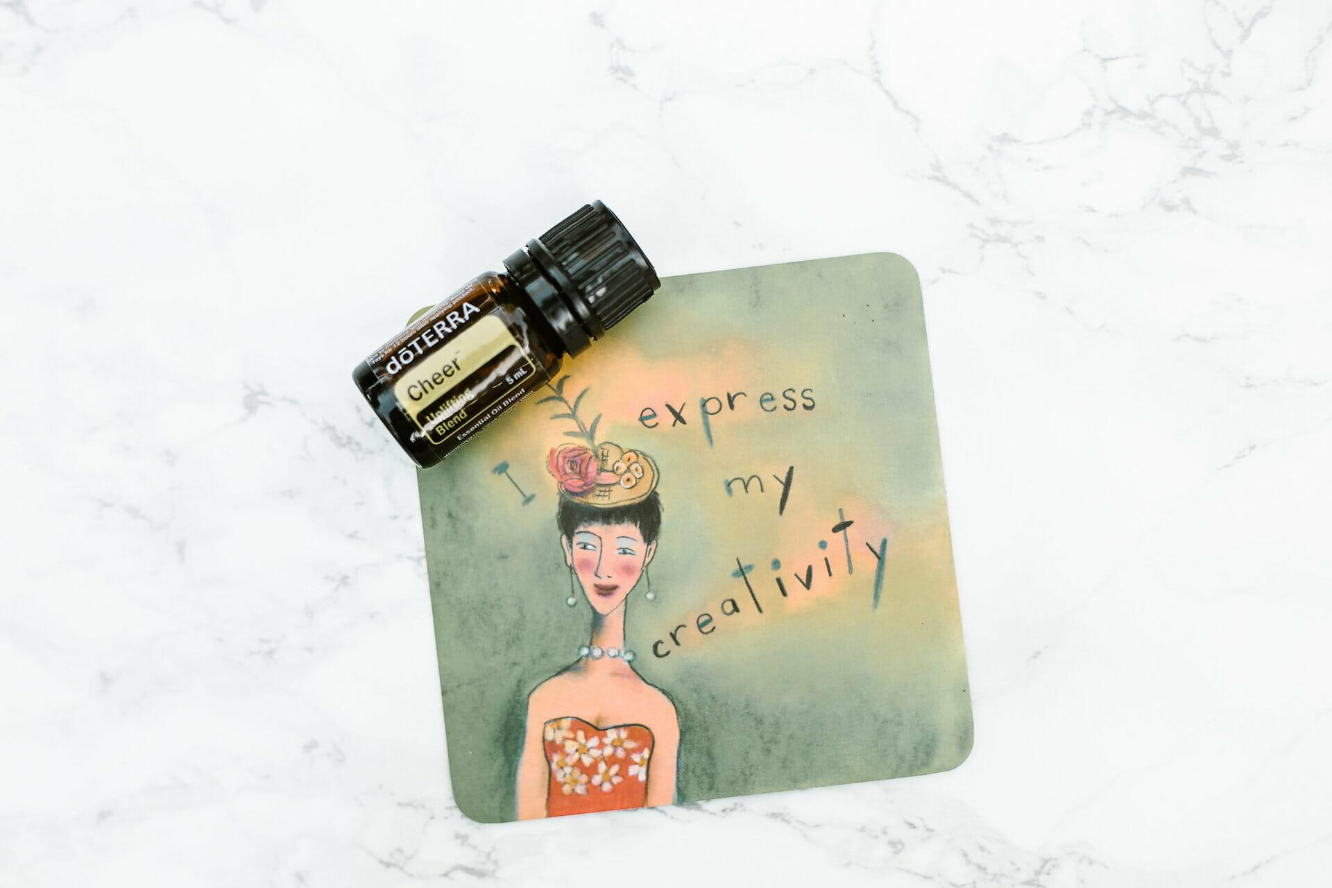 """Cheer Essential oil with affirmation: """"I express my creativity"""""""