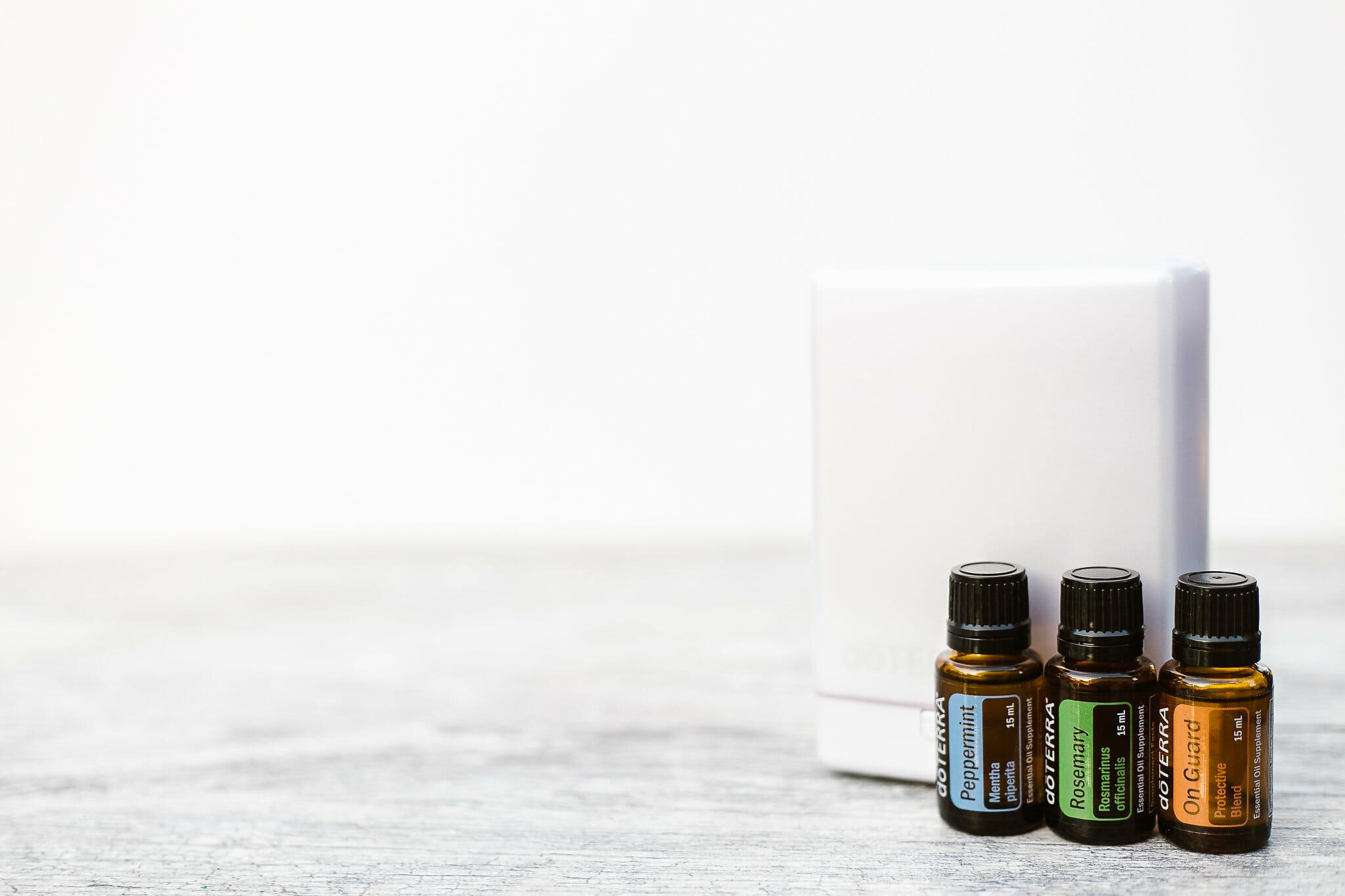 Peppermint-Single_-Rosemary-Single_On-Guard-Protective-Blend_AromaLite-Diffuser_White-Background